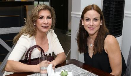 Lorena de la Parra y Diana Guel.