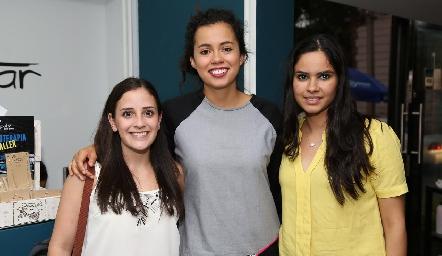 Elsa Meade, Sofía Milán y Liliana Ochoa .