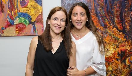Diana Guel y Diana Olvera.