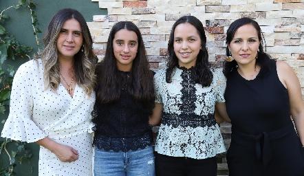 Brenda Hernández, María Mares, Montse Rodríguez y Susy Humara.