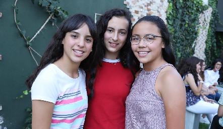 Lucciana, Daniela y Pau.