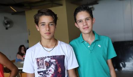 Rodrigo y Diego.