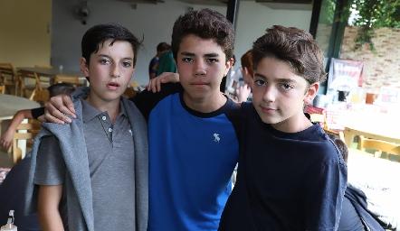 Martín, Juan y César.