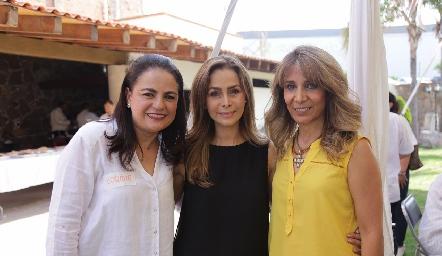 Coquito Leos, Olga Alessi y Martha Díaz de León.