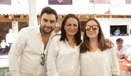 Quique Portillo, Coco Leos y Morenita Cordero.