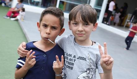 Leo y Nicolás.