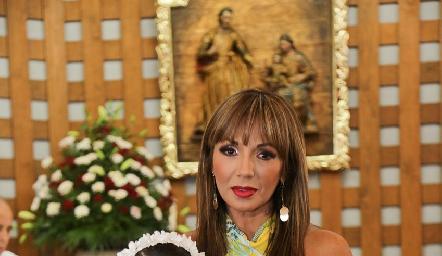 Fernanda con su madrina Mónica Tame.