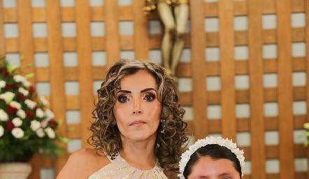 Carla Cabanillas y su hija Fernanda.