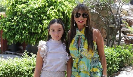 Camila y Mónica Tame.