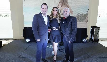 Abelardo Díaz, Bety Saldaña y Víctor Padilla.