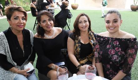 Norma Chávez, Emma Saldaña, María Esther Morales y Claudia Vera.