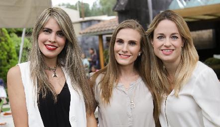 Mariana Berrones, Carla Huber y Alexandra Wimo.