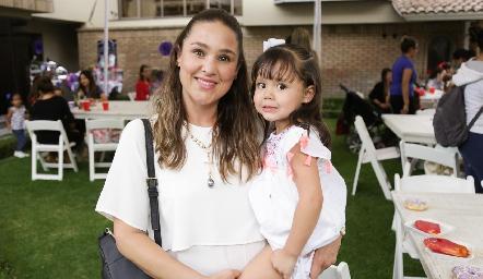 Lizeth Muñoz y María Paula Mares.