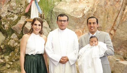 Ceci Castelo, Padre Chava, Juan Pablo y Juan Pablo Ramírez.