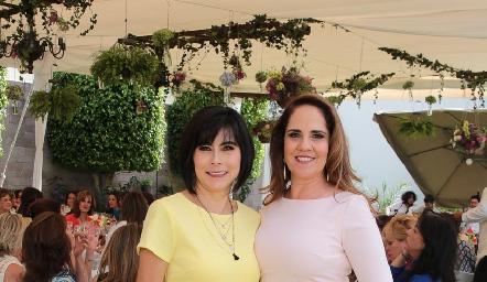 Las guapas consuegras, Teresa Guerrero y Gabriela Payán.
