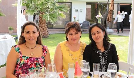 Tere Castillo, Malena Vargas y Caro Guerreo.