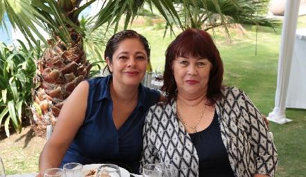 Eugenia Zarandona y Mary Carmen Guerrero.