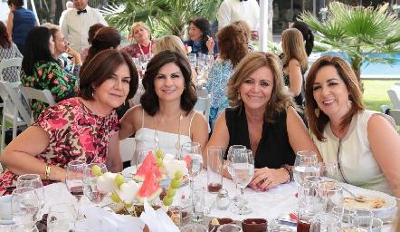 Coco Mendizábal, Lucía Escobedo, Guadalupe Santos y Alejandra Ávila.