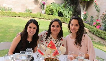Mónica Herrera, Fernanda Serrano y Mary Tere Guerrero.