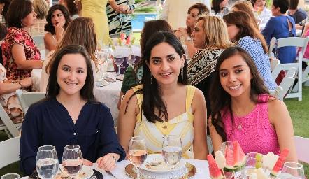 Sofía Muñoz, María Serna y Dany Armadillo.