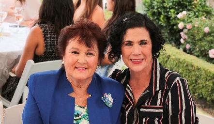 Lucero Mancilla y Carmenchu Motilla.