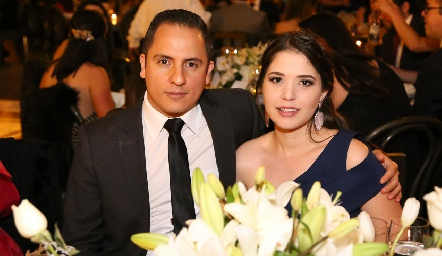 Edgar Zúñiga y Fernanda Cosío.