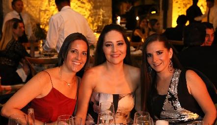 Lorena Lara, Uri Calzada y Cristina Castañares.