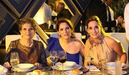 Pita Mier, Paulina De Antuñano y Maribel De Antuñano.