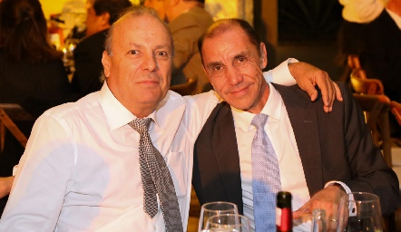 David De Alba y Jesús González.