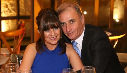 Martha y Ricky Villalba.