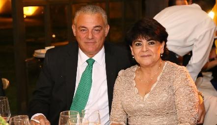 José Fernández y Guadalupe Contreras.
