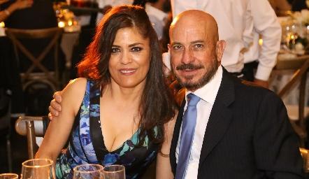 Beatriz y Arturo Hernández.