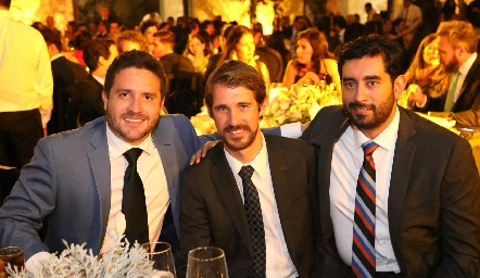 Christian Becerra, Fernando y Gerardo.
