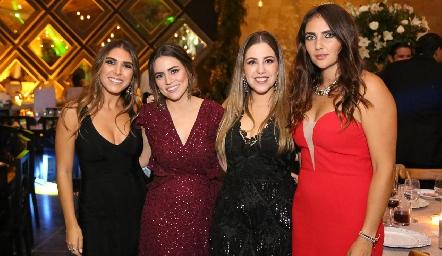 Annia Werge, Elisa Barragán, Pau Robles y Andrea Rossel.