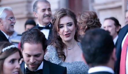 Martha Abud, mamá de la novia.