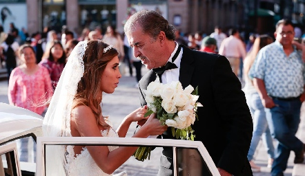 Daniela Güemes con su papa Marco Güemes.