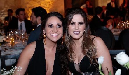 Lore Cantú y Luli Robles.