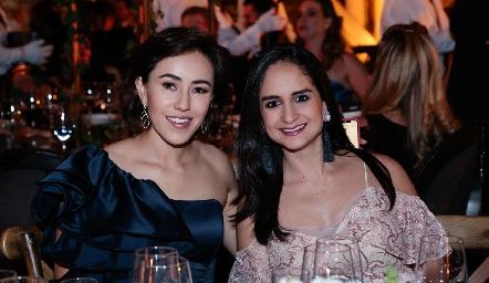 Midori Barral y Claudia Villasana.