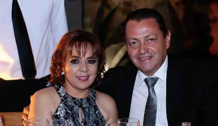 Anabel Covarrubias y Héctor Padrón.