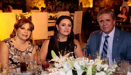 Laura Autrique, Graciela Lorca y Luis Jaime Castillo.