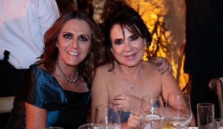 Tichis Araiza y Martha Hernández.
