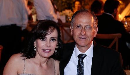 Alicia Gallegos y Víctor Medlich.