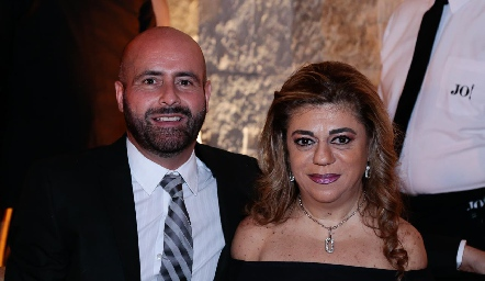 Alejandro Gouyonnet y Claudia Abud.