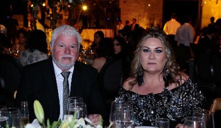 Gerardo de Anda y Carla Serna.