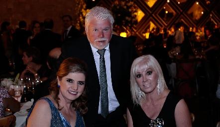 Gerardo, Silvina y Esther de Anda.