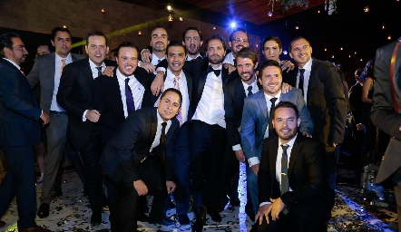 Javier De Antuñano con sus amigos.