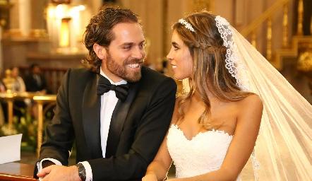 Javier De Antuñano y Daniela Güemes ya son esposos.