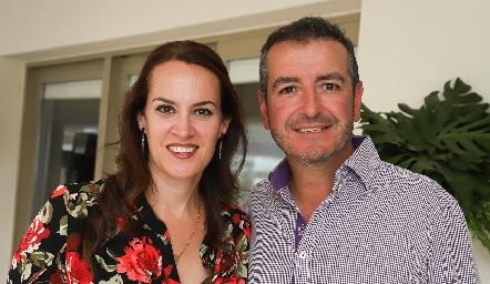 Sonia Reynoso y Roberto Pedroza.
