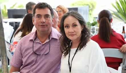 Carlos Viramontes y Rosalba Espinosa.