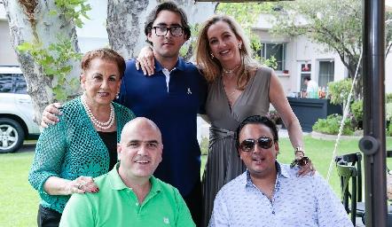 Raquel Gómez de Eichelmann, Erick Augusto Eichelmann, Elizabeth Eichelmann, Edgar y Erick Eichelmann.